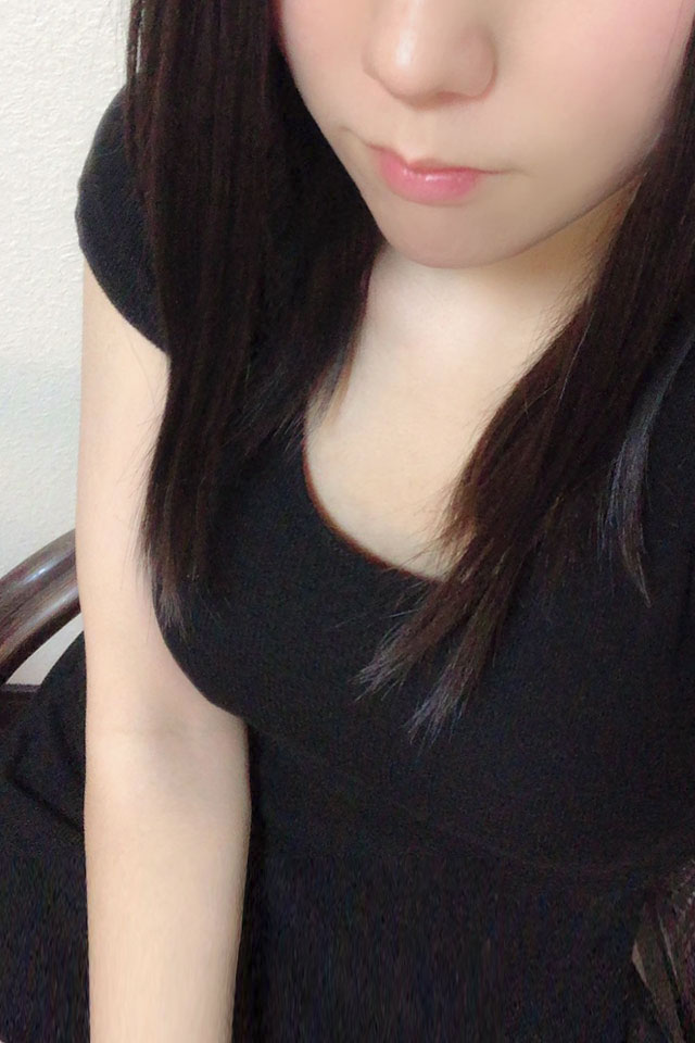 井川あんな(24)